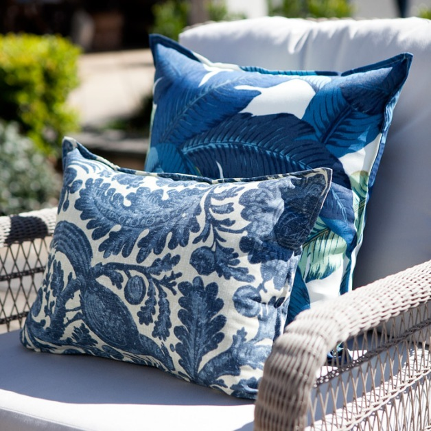 outdoor_cushion_blue_armchair